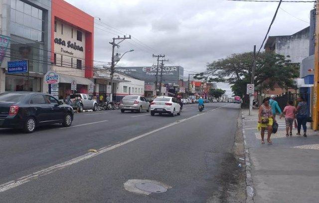 Feira de Santana: prefeito prorroga fechamento do comércio até dia 13