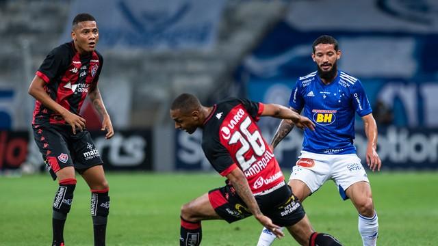 Vitória é derrotado pelo Cruzeiro com gol de jogador do Bahia