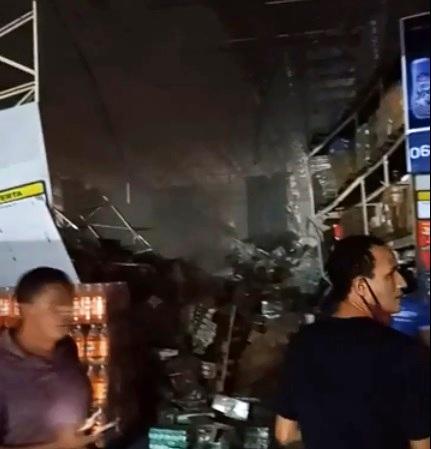 MA – Prateleiras com produtos desabam em supermercado e deixam um morto e feridos em São Luís