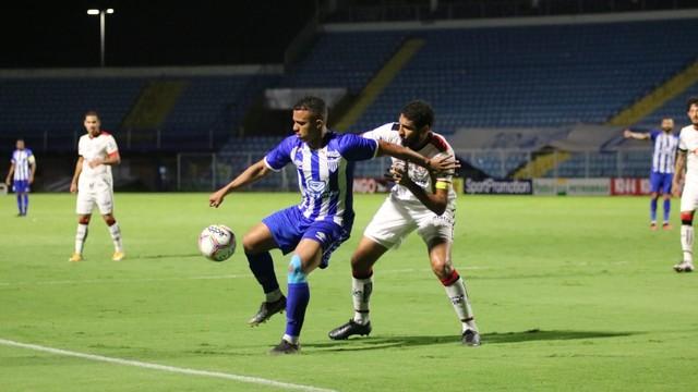 Série B – Vitória escapa de mais uma derrota com gol de Léo Ceará nos acréscimos do 2º tempo